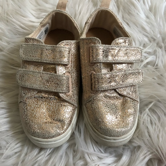 32256e444263 TOMS Lenny Toddler Sneakers Girls Sz 9 Rose Gold. M 5b417b879539f7a0fbaddcd6